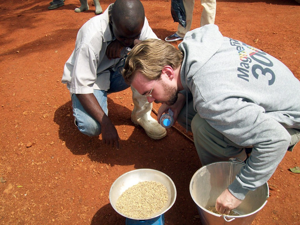 Viktor Bengtsson weighing rice